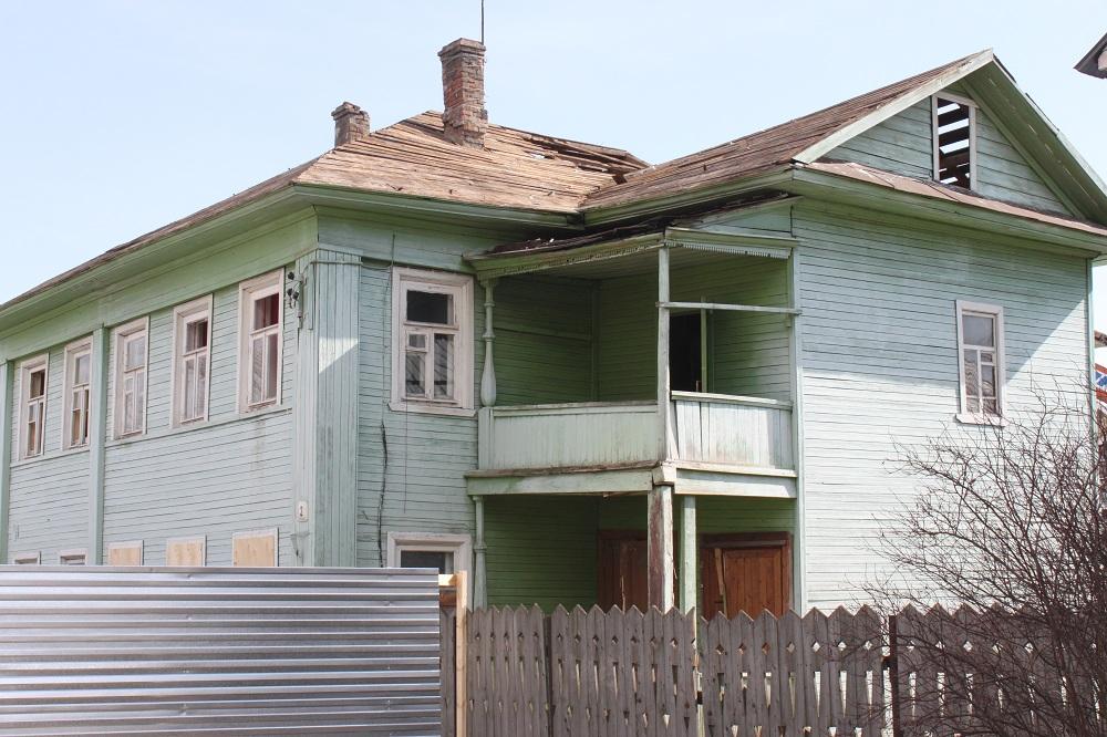 Внимание! Уничтожается еще одно историческое деревянное здание. UPD видео
